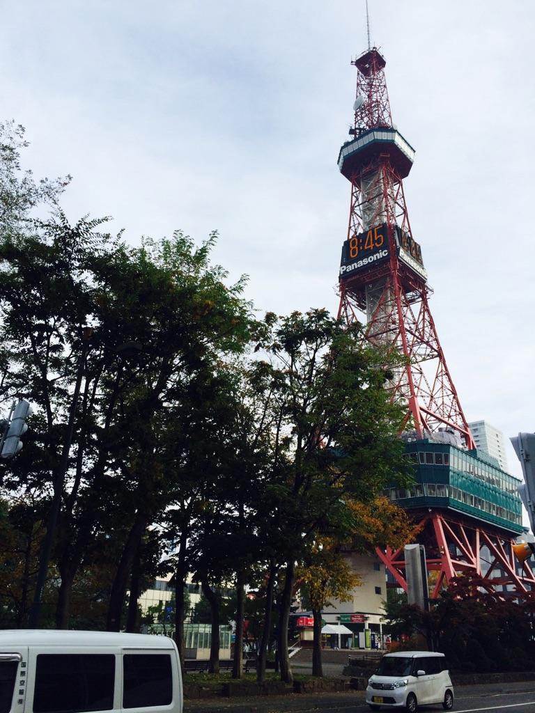 秋テレビ塔.jpg